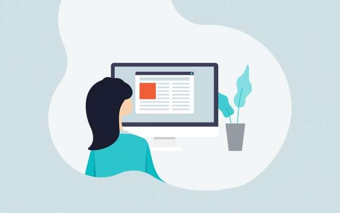 dievča pozerá do monitora a číta správy