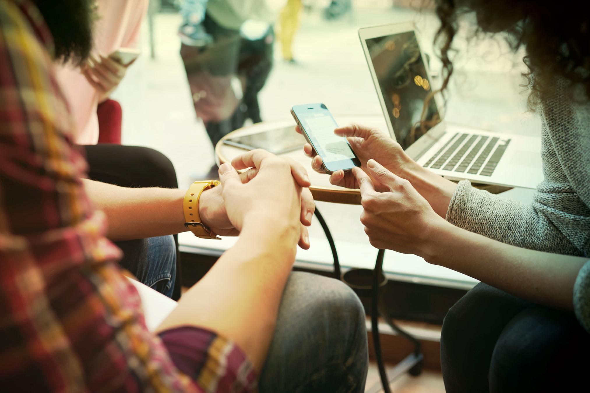Mobilne zariadenia a ruky